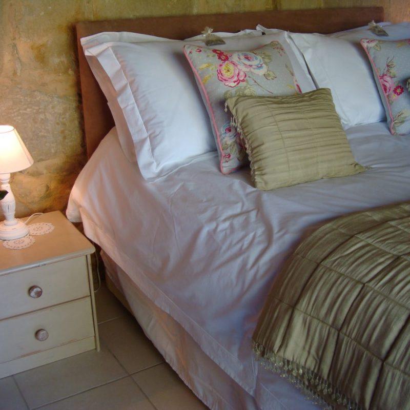 Drake Cottage bedroom